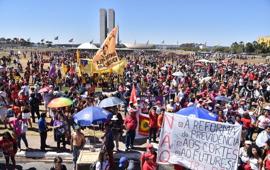 2019.08.13_Paralisação-Nacional-_fotos-Joelma-Bomfim-1.jpg - 397,84 kB