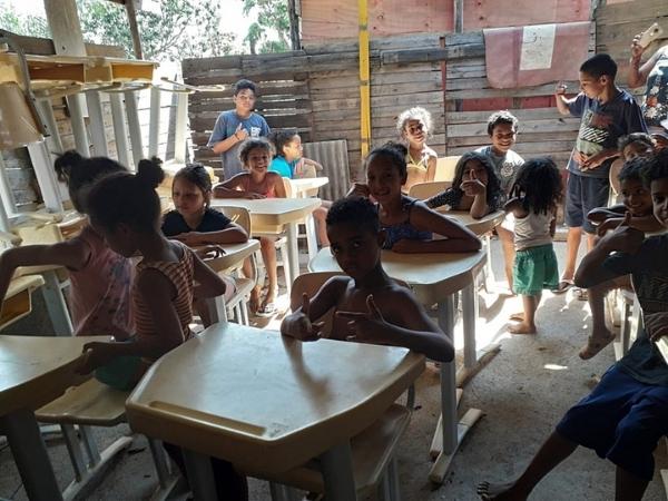 2021 10 14 alunos escola